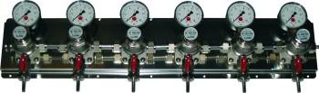 Zwischendruckreglerstation MM 8-fach, mit Edelstahl- Wandblech