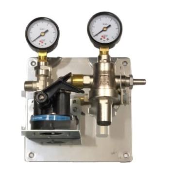 Wasserfilterstation regelbar mit Vor- und Hinterdruckmanometer